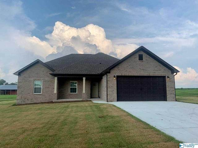 28256 Holland Gin Road, Elkmont, AL 35620 (MLS #1787162) :: Southern Shade Realty