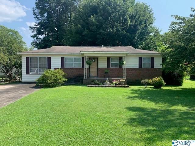 303 Bobwhite Drive, Decatur, AL 35601 (MLS #1787750) :: MarMac Real Estate