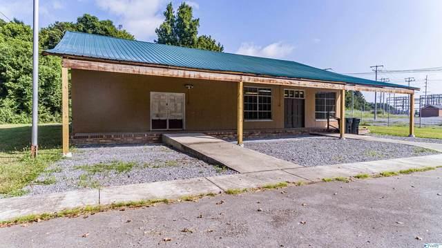 1111 East Willow Street, Scottsboro, AL 35768 (MLS #1788363) :: Green Real Estate