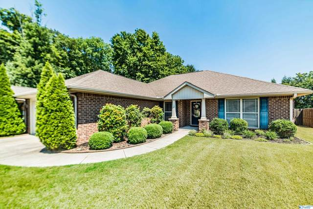 7137 Pale Dawn Place, Owens Cross Roads, AL 35763 (MLS #1789431) :: Southern Shade Realty