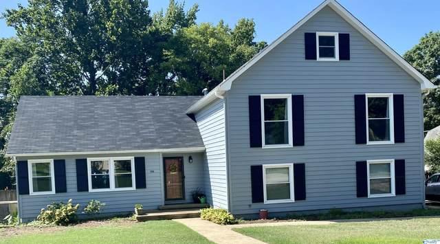 702 Versailles Drive, Huntsville, AL 35803 (MLS #1789666) :: Southern Shade Realty