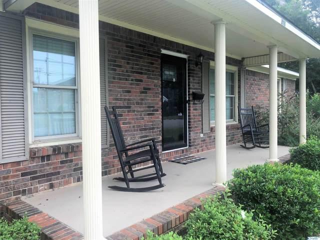 316 East Street, Moulton, AL 35650 (MLS #1789881) :: Rebecca Lowrey Group