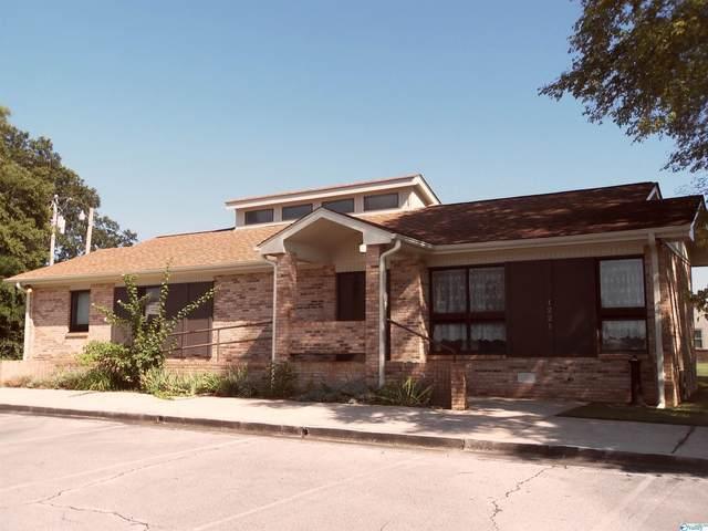1221 13th Avenue, Decatur, AL 35601 (MLS #1790190) :: Green Real Estate