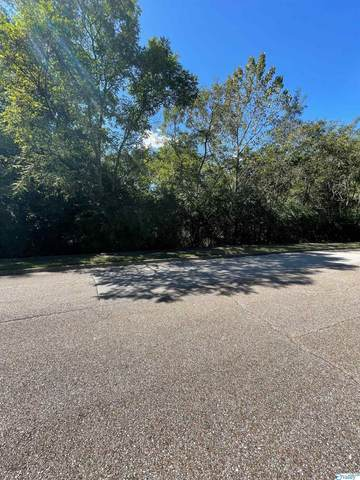 2141 Springhouse Road, Huntsville, AL 35801 (MLS #1790640) :: Green Real Estate