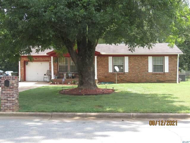 4002 Summerhill Drive, Huntsville, AL 35810 (MLS #1790716) :: RE/MAX Unlimited