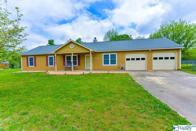 1755 Mckee Road, Toney, AL 35773 (MLS #1791171) :: Coldwell Banker of the Valley