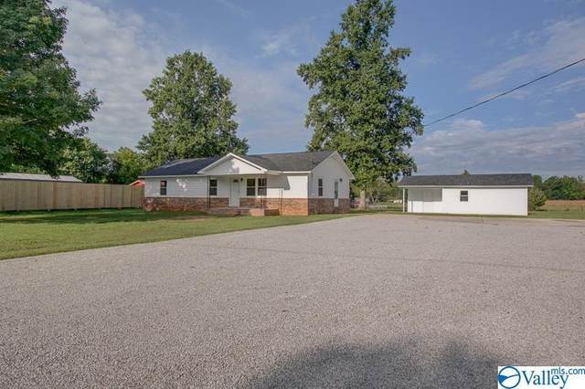 8278 Old Railroad Bed Road, Ardmore, AL 35739 (MLS #1791236) :: Southern Shade Realty
