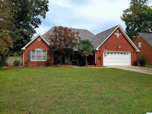 2722 King Arthur Court, Decatur, AL 35603 (MLS #1791894) :: Green Real Estate