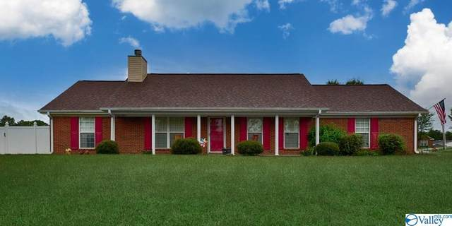 106 Short Track Drive, New Market, AL 35761 (MLS #1791940) :: Coldwell Banker of the Valley