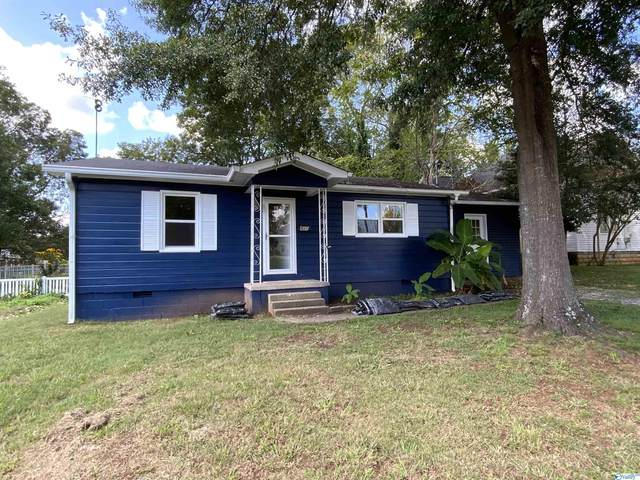 535 Seminary Street, Moulton, AL 35650 (MLS #1792883) :: Coldwell Banker of the Valley