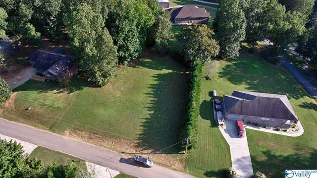 1 Lakeside Estates Road, Athens, AL 35614 (MLS #1010486) :: Green Real Estate
