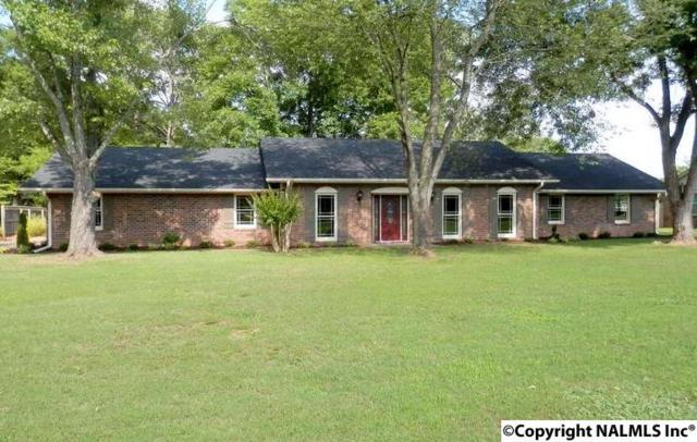 2304 Mountbrook Drive, Decatur, AL 35601 (MLS #1065004) :: Legend Realty