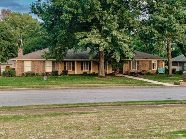 221 Teakwood Drive, Huntsville, AL 35801 (MLS #1103396) :: RE/MAX Distinctive   Lowrey Team