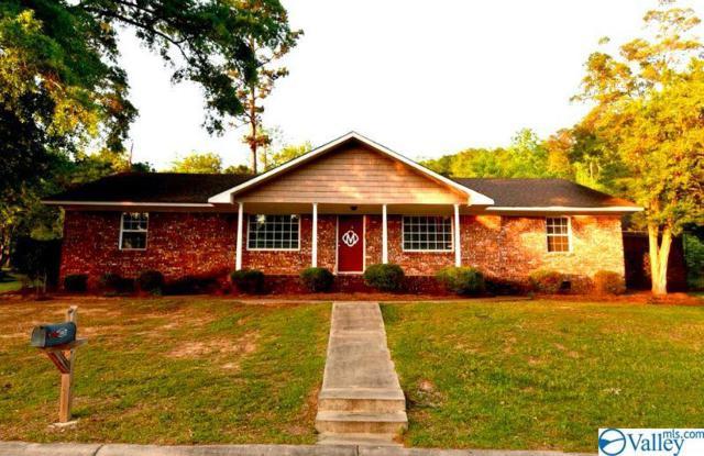 3500 Colonial Drive, Guntersville, AL 35976 (MLS #1123271) :: Amanda Howard Sotheby's International Realty