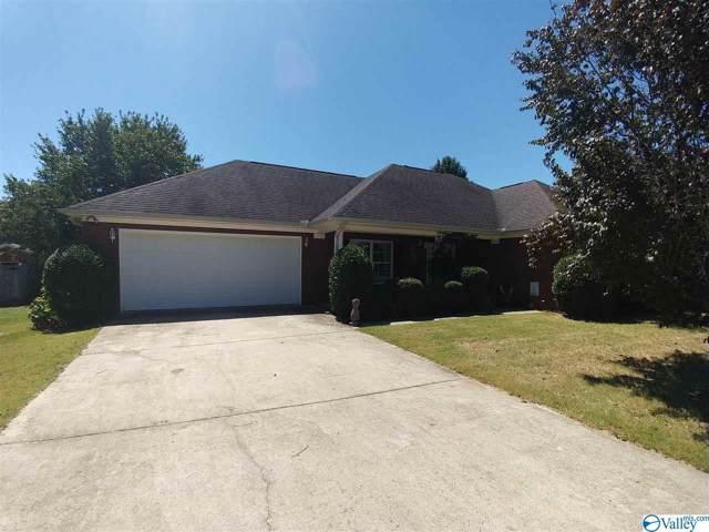 1600 Crown Pointe Drive, Hartselle, AL 35640 (MLS #1126933) :: Amanda Howard Sotheby's International Realty