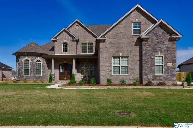 8209 Nantucket Circle, Owens Cross Roads, AL 35763 (MLS #1132543) :: Revolved Realty Madison
