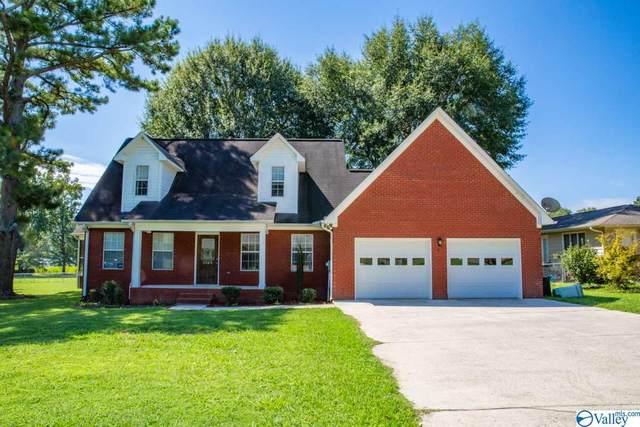 2505 Meadowwood Circle, Guntersville, AL 35976 (MLS #1150095) :: Revolved Realty Madison