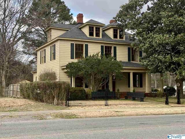 209 East Pryor Street, Athens, AL 35611 (MLS #1772868) :: Legend Realty