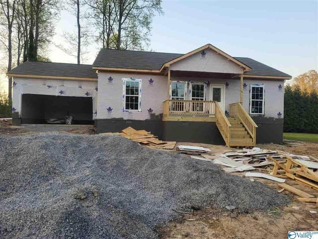 637 Greenview Drive, Albertville, AL 35950 (MLS #1777756) :: Rebecca Lowrey Group
