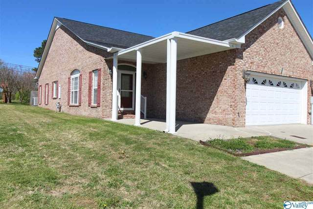 100 Wyndham Circle, Athens, AL 35611 (MLS #1777944) :: Rebecca Lowrey Group