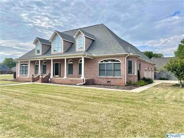 2302 Cumberland Court, Decatur, AL 35603 (MLS #1778306) :: Green Real Estate
