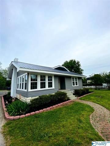 306 S Broad Street, Albertville, AL 35950 (MLS #1779753) :: MarMac Real Estate