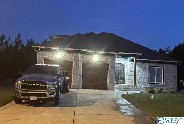 21746 Pinebrook Drive, Athens, AL 35614 (MLS #1782604) :: Coldwell Banker of the Valley