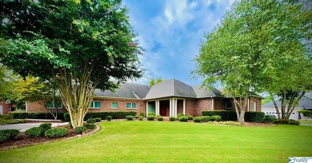 2301 Point Mallard Drive, Decatur, AL 35601 (MLS #1789047) :: MarMac Real Estate