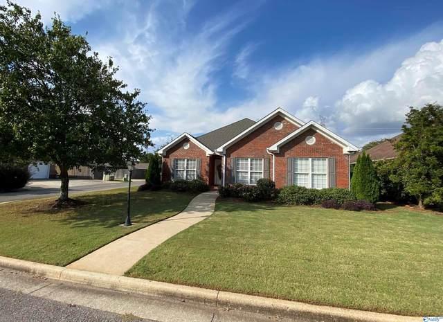2306 Eastbrook Drive, Decatur, AL 35601 (MLS #1792626) :: MarMac Real Estate
