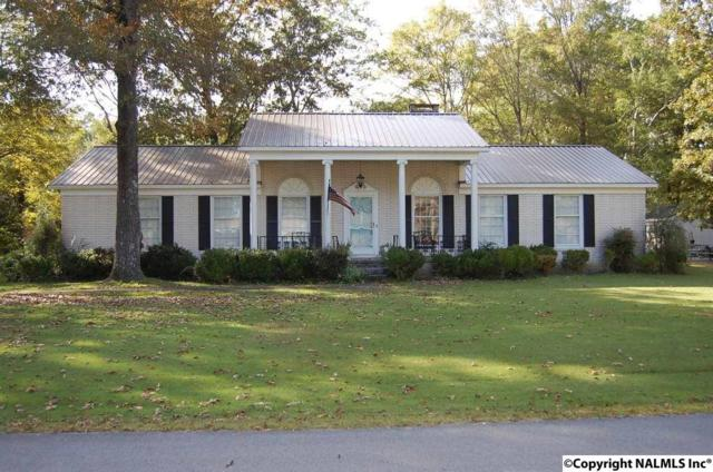 206 Montgomery Drive, Moulton, AL 35650 (MLS #1106093) :: RE/MAX Distinctive | Lowrey Team