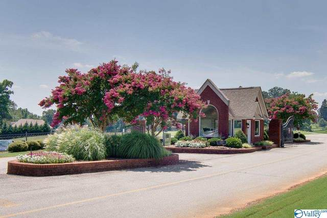 1 Saint Andrew Drive, Athens, AL 35611 (MLS #1110018) :: MarMac Real Estate