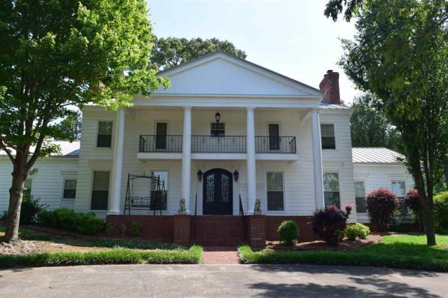 1807 Roseberry Drive, Scottsboro, AL 35769 (MLS #1086179) :: Amanda Howard Sotheby's International Realty