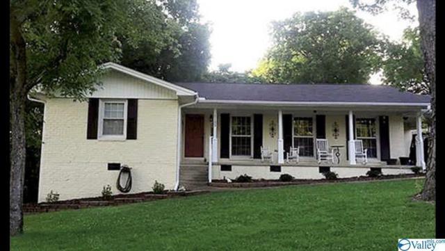 1105 E Cleermont Circle, Huntsville, AL 35801 (MLS #1115112) :: The Pugh Group RE/MAX Alliance