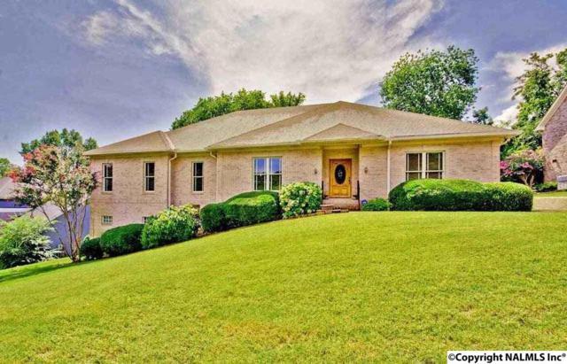 1689 E Stonehurst Drive, Huntsville, AL 35801 (MLS #1074161) :: Amanda Howard Real Estate™