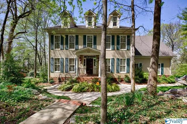 725 Mullins Hill Circle, Huntsville, AL 35802 (MLS #1777920) :: Southern Shade Realty