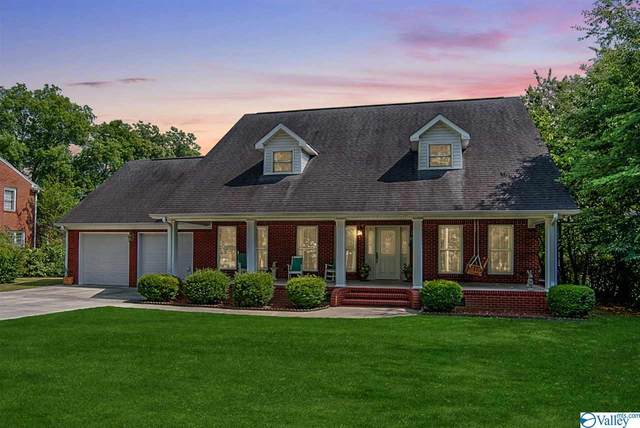 311 Hodges Street, Scottsboro, AL 35768 (MLS #1120894) :: Weiss Lake Alabama Real Estate