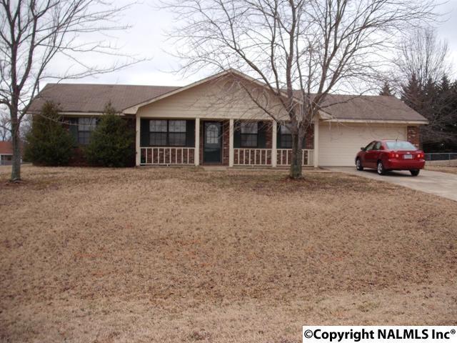 126 Worthington Circle, New Market, AL 35761 (MLS #1040001) :: Intero Real Estate Services Huntsville