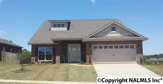 2429 Bell Manor Drive, Huntsville, AL 35803 (MLS #1043254) :: Amanda Howard Real Estate™