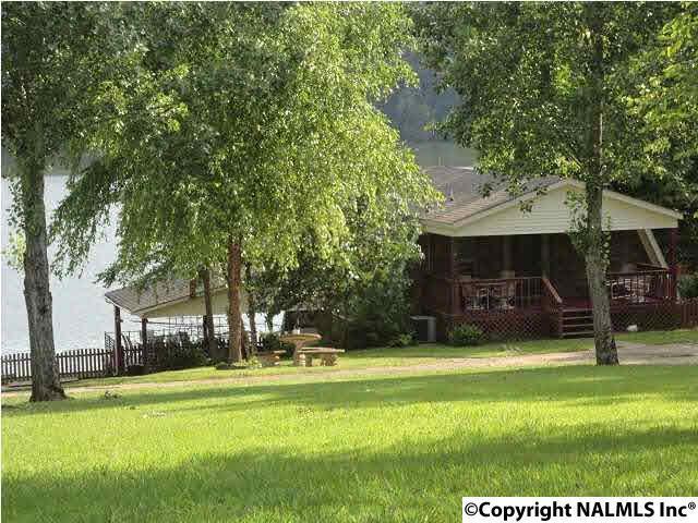 17798 Lakeside Estates Road, Athens, AL 35614 (MLS #1057555) :: Capstone Realty