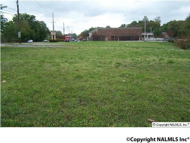 1926 Pulaski Pike, Huntsville, AL 35816 (MLS #1063089) :: Legend Realty