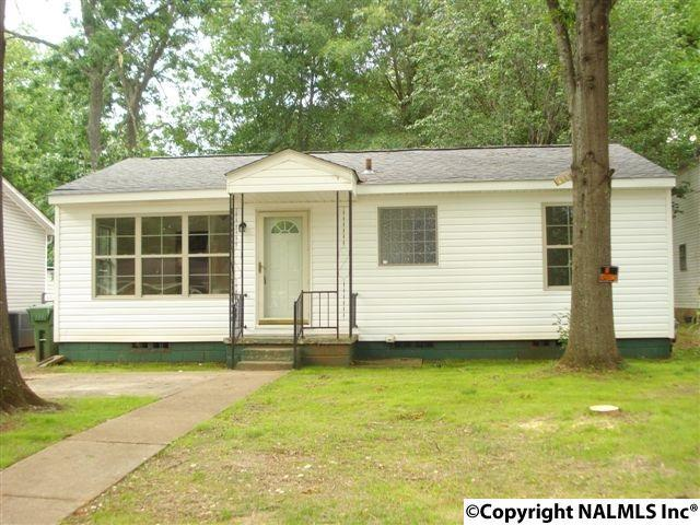 3802 8TH AVENUE SW, Huntsville, AL 35805 (MLS #1070455) :: Intero Real Estate Services Huntsville