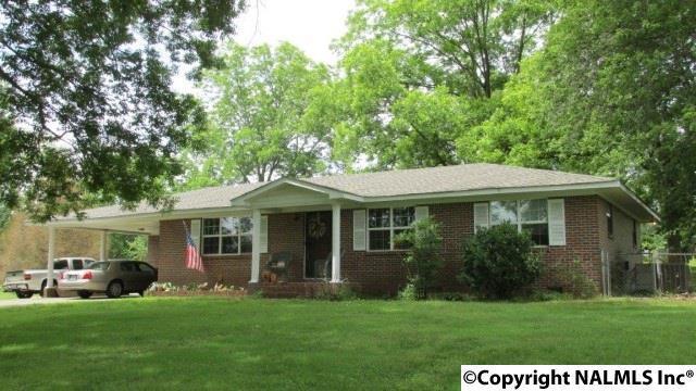 591 Maple Street, Boaz, AL 35956 (MLS #1070641) :: Amanda Howard Real Estate™