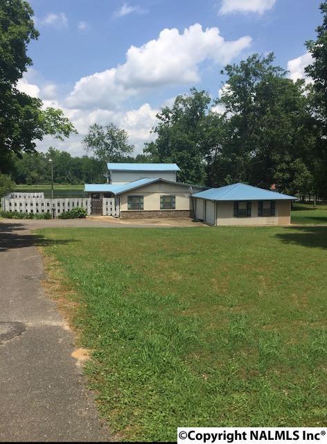 1369 Boy Scout Road, Scottsboro, AL 35769 (MLS #1070940) :: Amanda Howard Real Estate™