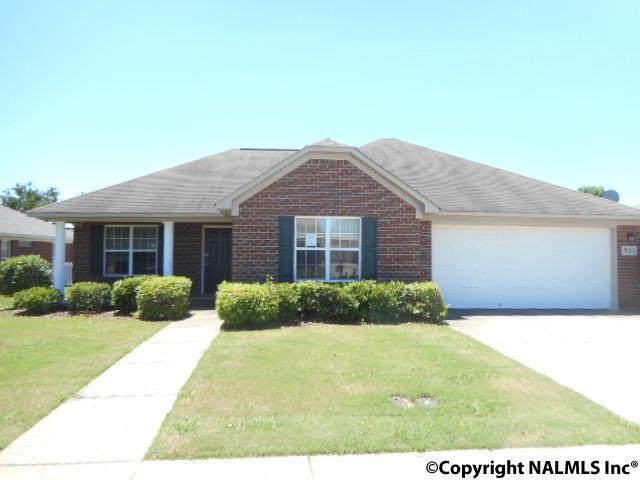 5010 Blakemore Drive, Owens Cross Roads, AL 35763 (MLS #1071784) :: Intero Real Estate Services Huntsville