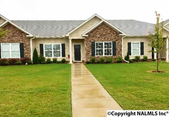 52 Moore Farm Circle, HUNTLAND, AL 35806 (MLS #1072196) :: Intero Real Estate Services Huntsville