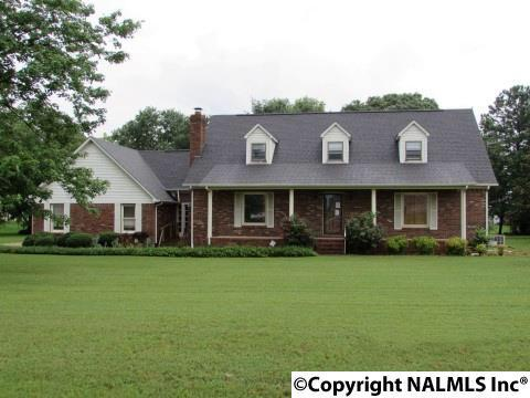 14855 Woodland Road, Athens, AL 35611 (MLS #1072434) :: Amanda Howard Real Estate