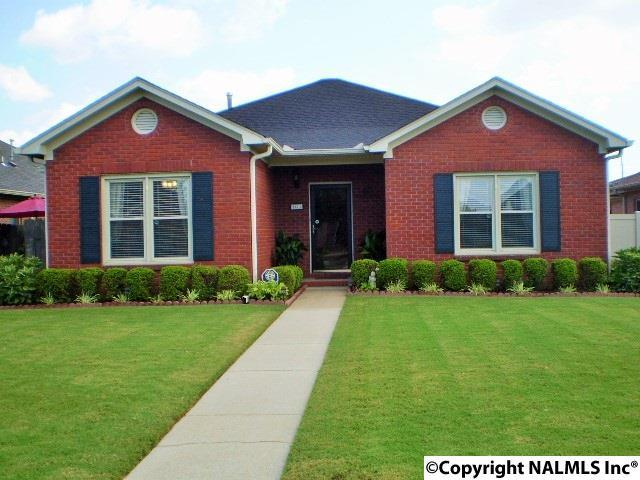 2211 Yorkshire  Se, Decatur, AL 35601 (MLS #1074648) :: Intero Real Estate Services Huntsville