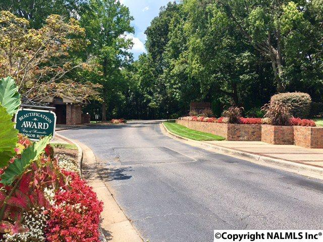 2094 SW Woodlawn Drive, Huntsville, AL 35802 (MLS #1075491) :: Intero Real Estate Services Huntsville