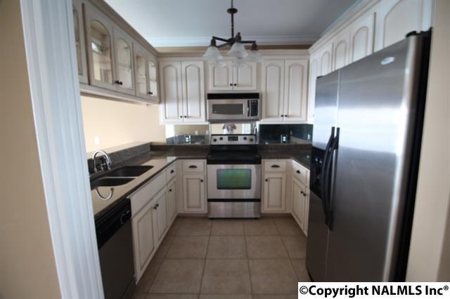 5590 Bay Village Drive, Athens, AL 35611 (MLS #1076434) :: Amanda Howard Real Estate
