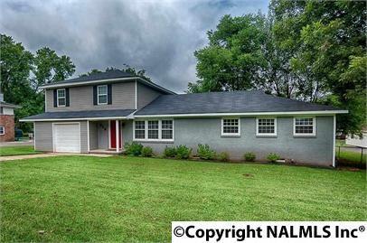 713 Stanhope Drive, Huntsville, AL 35801 (MLS #1076539) :: Amanda Howard Real Estate